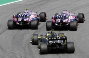 st Sergio Perez, Racing Point RP19 and Nico Hulkenberg, Renault R.S. 19