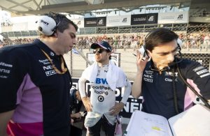 Sergio Perez, Racing Point on the grid with engineers