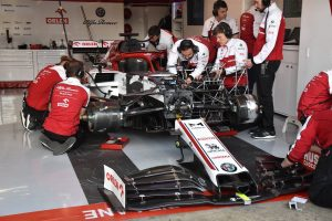 Mechanicy Alfa Romeo Racing Orlen F1 Barcelona 2020